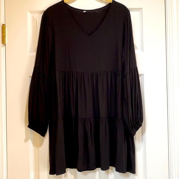 BLACK DRESS. SIZE M. JET BLACK